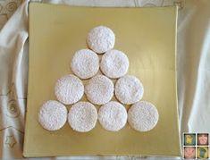 María: Mantecados mallorquines Elsa Cakes, Mantecaditos, No Bake Desserts, Scones, Sugar Cookies, Christmas Cookies, Donuts, Muffins, Crack Crackers