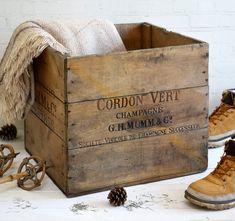 #champagne #sparklingwine #vintagecrate #antiques #vintagedecor