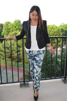 Tie-Dye DIY Outfit. click here for the instructions > http://whisperingstyle.blogspot.com/2012/05/diy-tie-dye-jeans.html