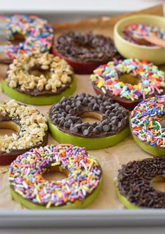 These easy, no bake apple donuts are the perfect after school snack for kids, fu. These easy, no bake apple donuts are the perfect after school snac. Evening Snacks For Kids, School Snacks For Kids, Healthy Snacks For Kids, Healthy Donuts, Healthy Birthday Snacks, Snack Ideas For Kids, Pre School Snack Ideas, Kids Birthday Breakfast, Party Ideas Kids