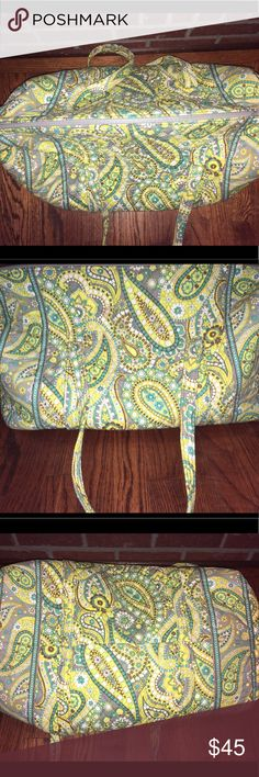 Vera Bradley Large Duffle Bag In excellent condition. No holes. No rips. No tears. Zippers work great. Vera Bradley Bags Travel Bags