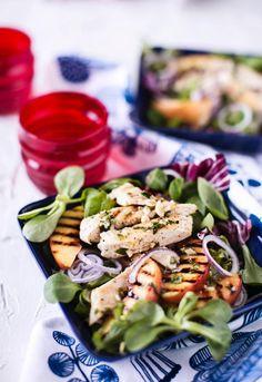 Broileri-nektariinisalaatti // Chicken & Nectarine Salad Food & Style Annika Elomaa Photo Satu Nyström Maku 4/2016, www.maku.fi