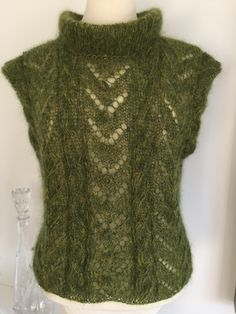 Knit Fashion, Facon, Models, Sweater Cardigan, Knitwear, Knitting Patterns, Knit Crochet, Twists, Sewing