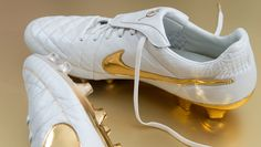 Nike R10 'Touch of Gold' By Nathan Congleton
