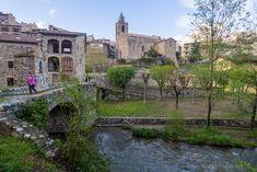 Bagà - Que ver en el Bergueda Parking, Days Out, Places To Visit, Mansions, House Styles, Travel, Andorra, Anna, Comics