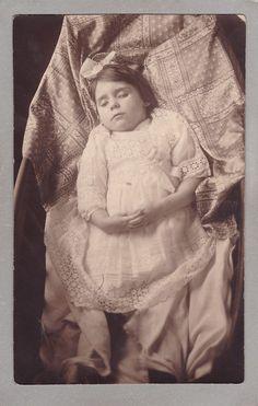 Vintage Post-Mortem Photograph Of Little Girl - Lace Dress - Mourning - Funeral