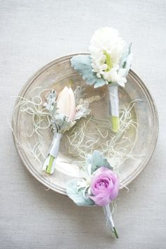 smoky pastel flower (Styling & Photography by Ikumi Miyazaki) http://bianca-candy.jimdo.com/