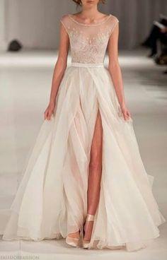 I love this wedding dress! ;-)