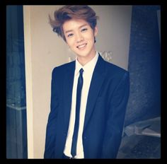 Luhan you look really good in a suit :)