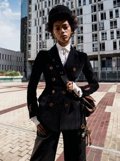 LifestylesPublication: Vogue Paris October 2016Model: Londone Myers, Faretta, Grace Elizabeth, Chiara ScelsiPhotographer: Claudia KnoepfelFashion Editor: Veronique DidryHair: Paolo SoffiattiMake Up: Benjamin Puckey
