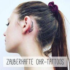 Auch kleine Tattoos können eine ganz große Wirkung haben, wenn sie geschickt platziert werden. Wie wäre es zum Beispiel mit einem unerwarteten Blickfang am Ohr...
