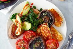 Best halloumi recipes We love halloumi cheese! Try our best halloumi recipes, including halloumi salads and a halloumi grill. Use our expert guide how to cook halloumi properly Great Vegetarian Meals, Vegetarian Entrees, Vegetarian Breakfast, Halloumi Cheese Recipes, Cooking Halloumi, Grilling Recipes, Cooking Recipes, Healthy Recipes, Raclette Recipes
