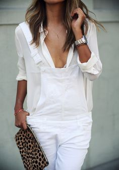 Julie Sarinana is wearing a white overalls and shirt from Paige Denim, clutch from Clare Vivier and shoes from Anine Bing Looks Chic, Looks Style, Trendy Outfits, Fashion Outfits, Womens Fashion, White Overalls, White Jumper, Denim Overalls, Denim Shirt