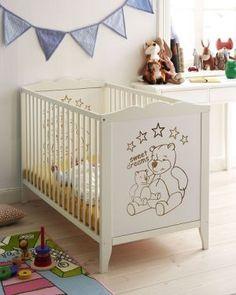 DIY dekoracja dziecięcego łóżeczka