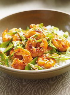 Recette de sauté de crevettes au sésame de Ricardo. Recette rapide à base de fruits de mer et légumes, à emporter pour les lunchs. Avec crevettes, pois mange-tout, gingembre, sauce hoisin, graines de sésame...