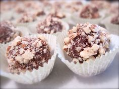 Easy and beautiful Christmas Truffles! A fabulous homemade gift to give!
