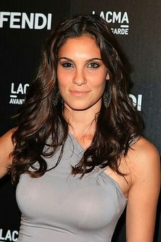 Daniela Ruah (born December is an Portuguese-American actress who currently plays Kensi Blye in the CBS series NCIS: Los Angeles. Daniela Ruah Eye, Daniela Ruah Bikini, Beautiful Celebrities, Beautiful Actresses, Beautiful People, Fendi, Female Actresses, Hot Actresses, Kensi Blye