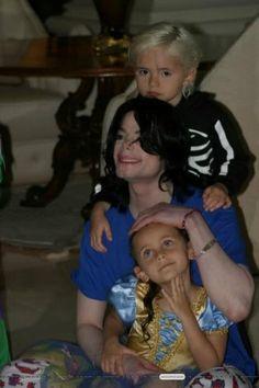 Michael Jackson and his children~
