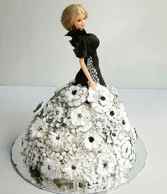 Barbie flower black & white cake