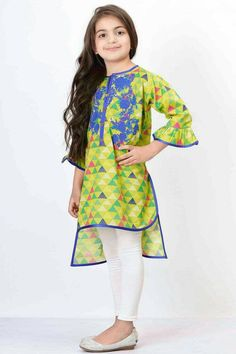 Girls Dresses Sewing, Stylish Dresses For Girls, Frocks For Girls, Little Girl Dresses, Frock Design, Baby Dress Design, Kids Salwar Kameez, Kurti, Pakistani Kids Dresses