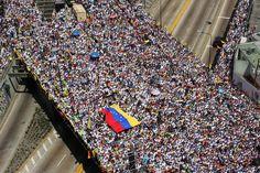 Marcha de protesta, contra la dictadura y el comunismo de Nicolas Maduro