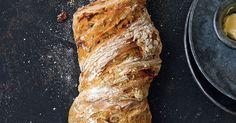 Dieses Brot schmeckt warm am besten. Genießen Sie es zum Beispiel zu gemischtem Salat oder Mozzarella – ein echt italienischer Genuss!