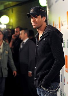 Enrique Iglesias Photos  - Enrique Iglesias at Cadena Dial - Zimbio