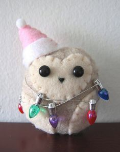 Christmas Lights Holiday Hoo By gugy @Tony Gebely Wang: Little felt owl ornament w/ christmas lights.