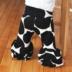 ruffle pants : 4
