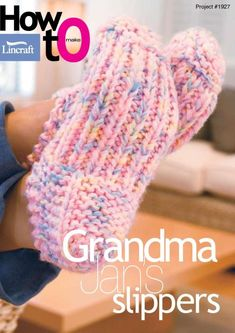 Crochet accessories 358388082847154452 - Pantoufles Grandma – 3 petites mailles Source by grenonmartine Knitted Socks Free Pattern, Loom Knitting Patterns, Easy Knitting, Knitting For Beginners, Knitting Socks, Crochet Slipper Pattern, Knitting Projects, Diy Scarf, Knitted Slippers