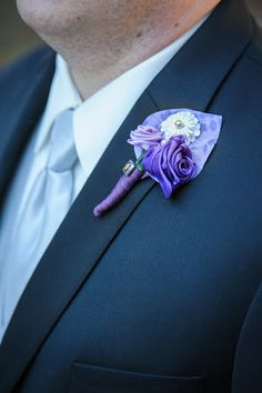 DIY ribbon flowers for your bouquets, boutonnieres, decor, and more | Offbeat Bride