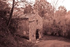 Marcellano, Gualdo Cattaneo (Umbria, IT) The little church Madonna del Ponte. Silence...