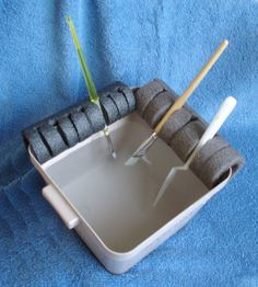 DIY Paint Brush Holder - Keep your paint brushes from drying out between color changes with this neat DIY paintbrush holder.