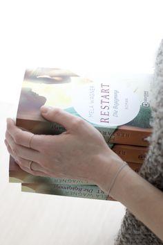 Du willst mich nicht so wie ich heute bin, du willst das Abbild dessen was ich einmal war.  (Leni zu Paul)  RESTART- Die Begegnung (Roman) Manchmal brauchen wir alle einen RESTART... RESTART- Die Begegnung (Teil1) gestern neu erschienen mit dem Montlake Verlag Personalized Items, Romance Books
