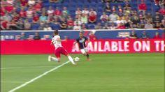 #MLS  PENALTY: Diego Fagundez draws an early penalty kick