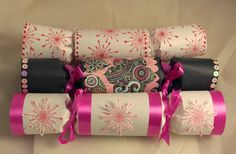 Make your own DIY Christmas (or any season) crackers from toilet roll tubes and many other ideas Diy Christmas Crackers, Diy Christmas Gifts, Handmade Christmas, Holiday Crafts, Christmas Ideas, Christmas 2015, Christmas Stuff, Holiday Ideas, Merry Christmas
