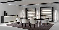 Salles à manger et vitrines. Ébène laqué brillant et verre.