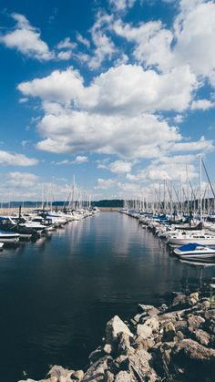 See Lake Pepin via sailboat from Lake City Explore Minnesota #OnlyInMN
