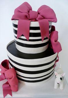 Chic black  white cake.