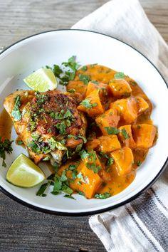 Asian Sweet Potato Recipe, Sweet Potato Curry, Sweet Potato Noodles, Chicken And Beef Recipe, Skillet Chicken, Asian Recipes, Beef Recipes, Thai Curry Recipes, Baked Spaghetti Casserole