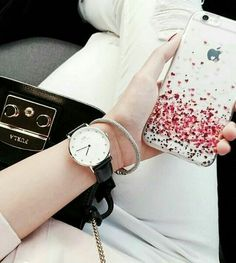 Cool Cases, Cool Phone Cases, Iphone Cases, Stylish Dp, Stylish Girl Pic, Cute Girl Pic, Cute Girls, Dps For Girls, Girlz Dpz