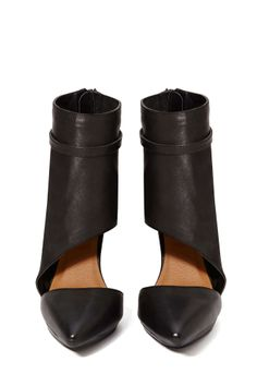 Shoe Cult Collection Caught Up Leather Pump | Shop Shoe Cult at Nasty Gal
