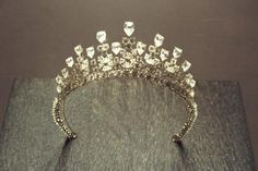 Cartier Tiara, worn by Grace Kelly .............own a crown :)