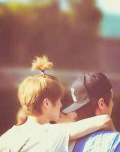 Luhan & Sehun omg his top knot