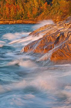 ✮ Autumn waves of Lake Superior crash upon the sandstone shore of Pictured Rocks National Lakeshore - Michigan's Upper Peninsula