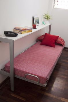 Decorate your room in a new style with murphy bed plans Murphy Bed Ikea, Murphy Bed Plans, Space Saving Beds, Space Saving Furniture, Bunker Bed, Foldable Bed, Modern Murphy Beds, Hidden Bed, Ikea Bed