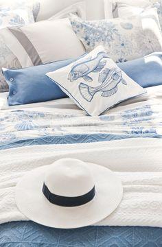 3 Seductive Clever Tips: Coastal Curtains Blue Walls beachy coastal style.Coastal Interior Beautiful coastal home florida. Beach Cottage Style, Coastal Cottage, Coastal Homes, Coastal Style, Beach House Decor, Coastal Living, Coastal Decor, Home Decor, Coastal Rugs