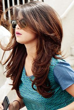 Long Layered Hairstyles for Round Faces Long Layered Hairstyles for Round Faces – Farbige Haare Haircuts For Long Hair With Layers, Long Layered Haircuts, Layered Hairstyles, Modern Haircuts, Hairstyles Haircuts, Long Layered Hair With Side Bangs, Round Face Long Hair, Round Face Hairstyles Long, Pixie Haircuts