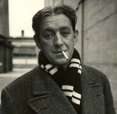 Alec Guinness - not sure when the pic was taken. I got it from jaredpaulstern.com  They like his scarf.