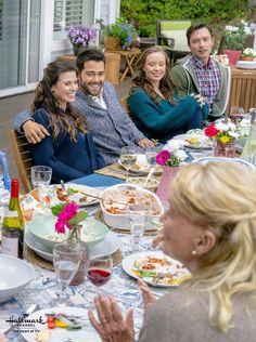 Chesapeake Shores, Season 2 - It's been awhile since the O'Briens were all together for a family meal.
